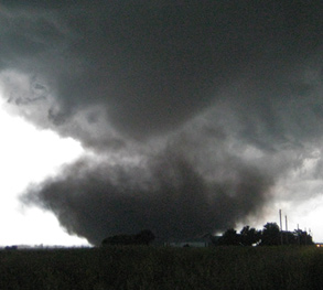 News media tours and Services from Storm Chasing Adventure Tours will get you closer to the action.